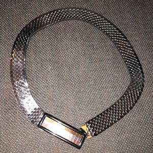 Elastic waist shimmering belt